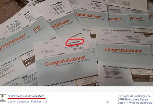 Membros publicam fotos com vários cartões pré-pagos VISA